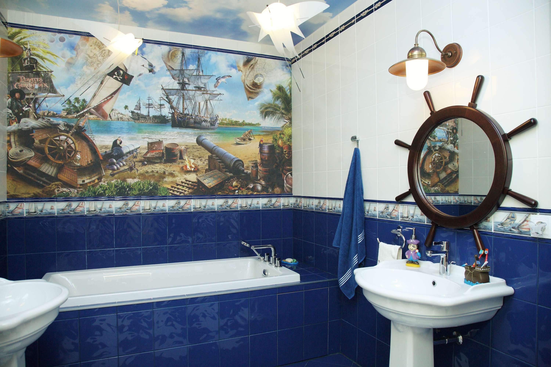 """Все на борт!"" - панно на стене и зеркало в виде штурвала подчеркнет стилистику комнаты"
