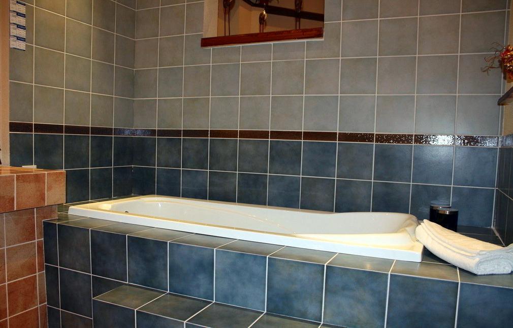 Отделка ванной комнаты плиткой: фото и дизайн
