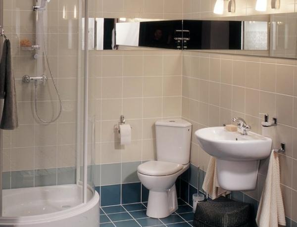 В небольшой ванной комнате для увеличения пространства можно установить душевую кабинку