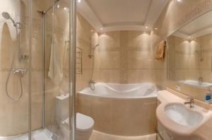 Совмещенная ванная комната - один из вариантов цветового решения