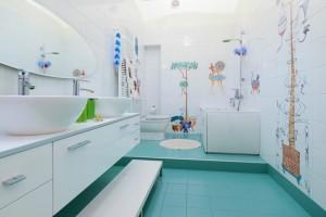 Купание в ванной для детей можно превратить в увлекательное занятие