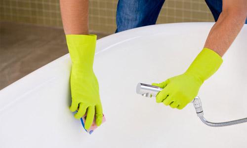 Современные средства для ванн обладают необходимыми моющими свойствами, которые помогут изделию оставаться чистыми и красивыми на протяжении долгого времени