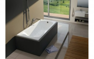 Акриловые ванны имеют массу преимуществ перед изделиями из других материалов, в том числе пластичность, что позволяет придавать различные формы