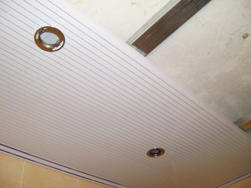 Монтаж потолка производится довольно просто, что позволит сделать это своими руками