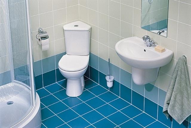 Вариантом для небольшой ванной комнаты может стать душевая кабина