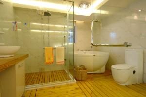 Правильное сочетания цвета и освещения позволят комнате заиграть по-новому