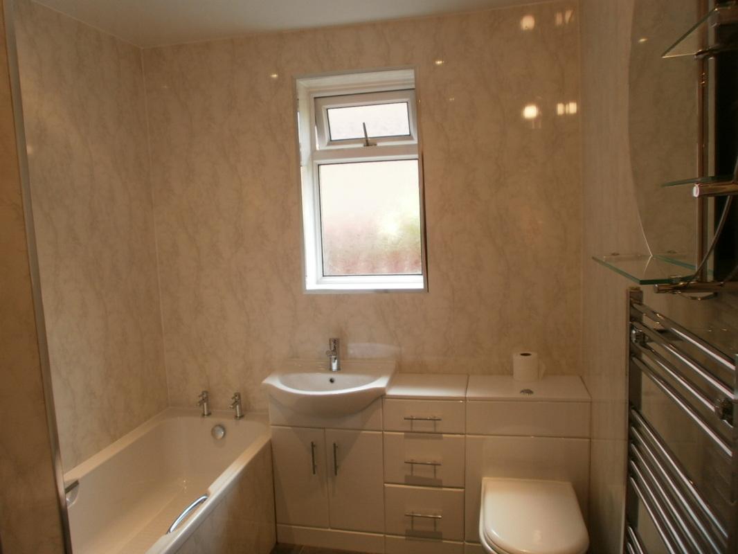 Отделка ванной комнаты стеновыми панелями своими руками видео