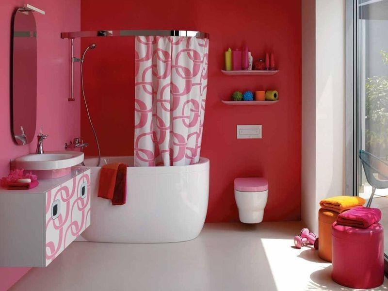 Широкая цветовая гамма и водоотталкивающие свойства отделки обеспечат красивую и практичную ванную