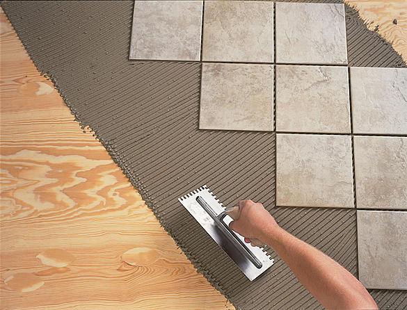Совмещение керамики и древесины считается нежелательным, так как свойства материалов неодиноковы