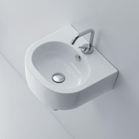 Небольшую раковину можно установить даже в маленькой комнате, что будет очень удобно для дальнейшей эксплуатации