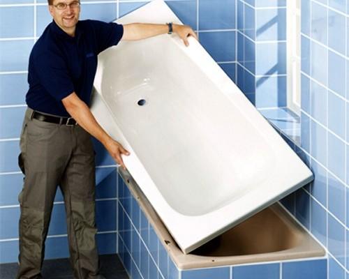 Быстрый способ обновить ванну - это воспользоваться специальным вкладышем