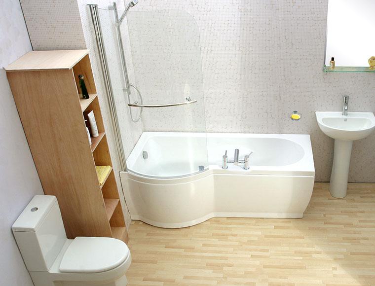 В небольшой комнате можно обустроить душ в ванной, что сэкономит место, и вместе с тем функционально