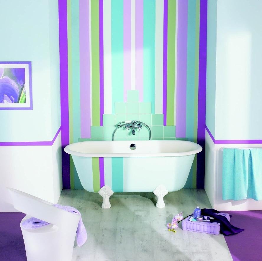 Яркий и оригинальный интерьер можно создать с помощью окраски стен