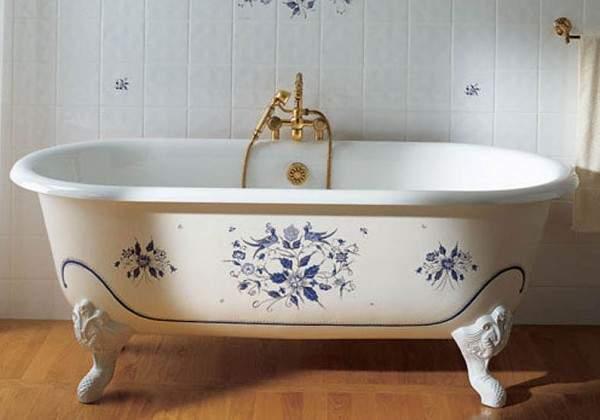 При самостоятельном монтаже ванны Вам потребуется напарник, так как изделие отличается своим весом