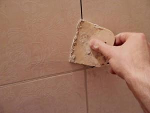 Затирка - несложный этап ремонта в ванной, главное - хорошие материалы