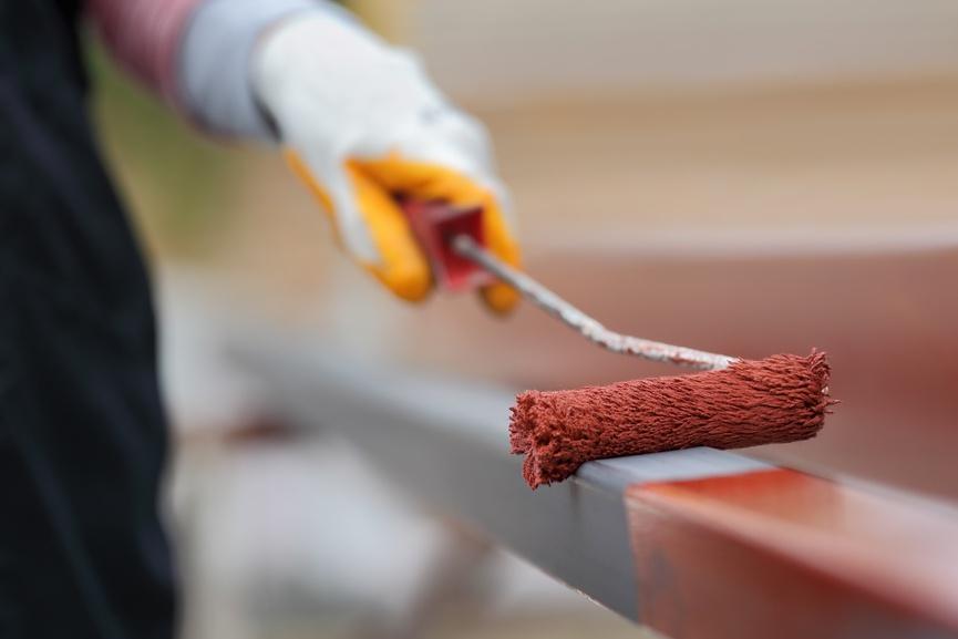Покупая любой лакокрасочный материал можно быстро произвести расчет необходимого количества так как производитель указывает всю необходимую информацию на упаковке