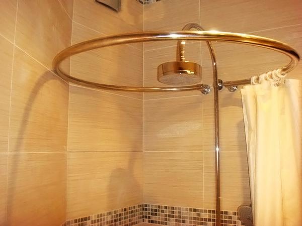 Карниз в душ