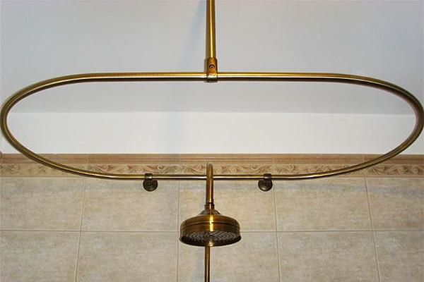 Пример необычного каркаса, прекрасно подойдет, если ванна овальной формы