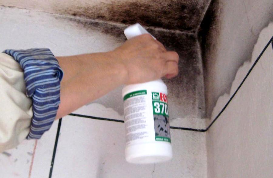 Двухуровневые потолки в ванных комнатах очищаются от вредных бактерий
