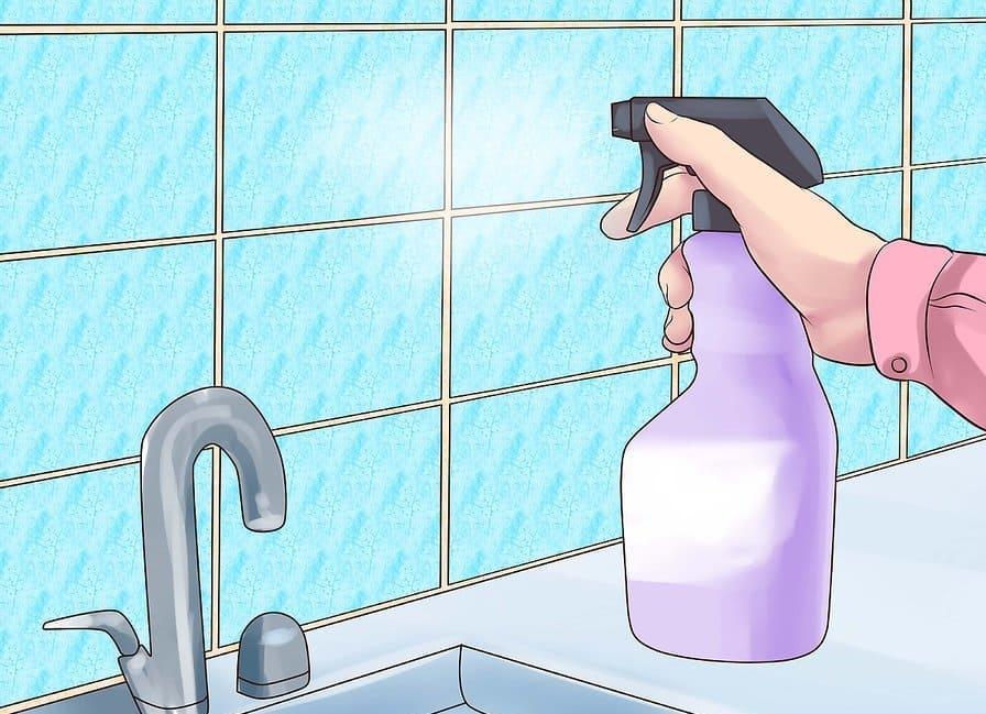 Раствор уксуса и соды удобнее наносить при помощи пульверизатора