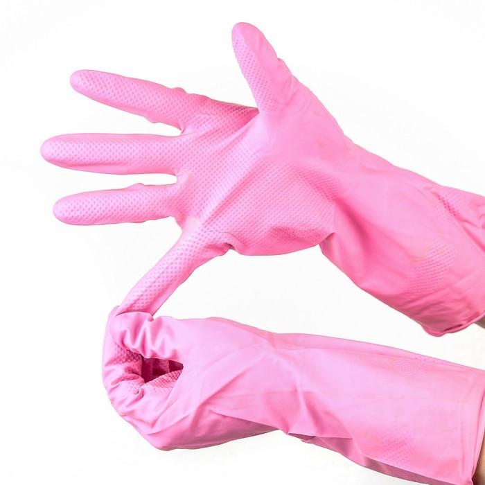 Используйте резиновые перчатки для защиты рук