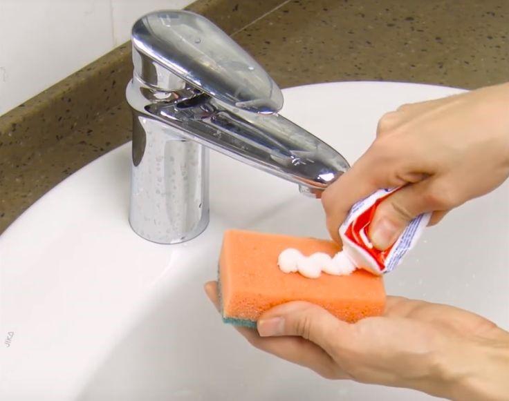 Зубная паста – быстрый способ избавиться от небольших пятен в ванной
